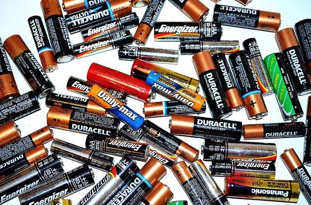 Vanliga AA- och AAA-batterier